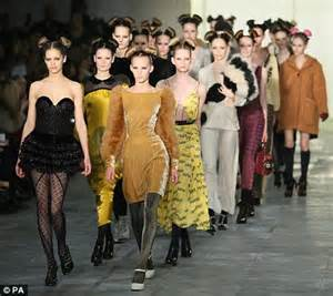 Geekery Rubs On Catwalk For Operation Kate Moss by Fashion Week 2011 Green Joins Philip