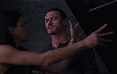 fast and furious 8 luke evans 9