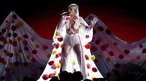 lil pump vma outfit halsey was honest empowering at allstate arena chicago
