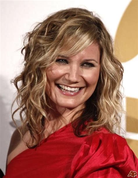 pictures of jennifer tilley with short curly hair best 25 jennifer nettles hair ideas on pinterest summer