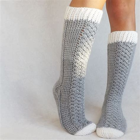 Wiggle Wiggle Patterned Socks 1000 ideas about crochet socks pattern on