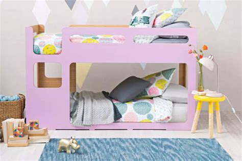How To Make Bunk Bed Sheets 6 Helpful Tricks To Changing Bunk Bed Sheets