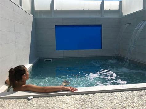 docce sensoriali hotel con area benessere vista mare misano idromassaggio