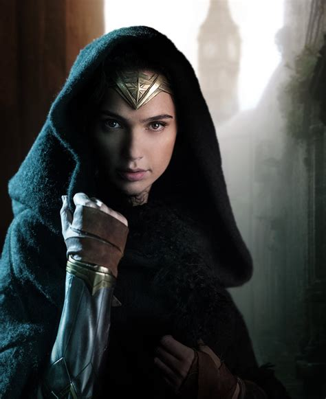 film gal gadot first look at gal gadot in wonder woman cast officially