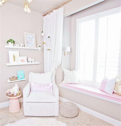 bedroom bay window furniture 25 best ideas about bay window bedroom on bay