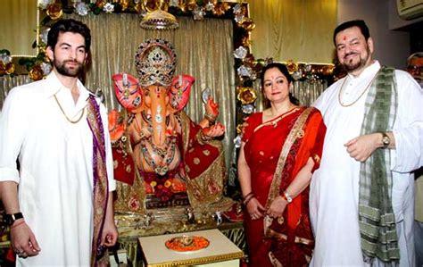 actor ganesh puja bollywood stars and their ganpati puja view pics