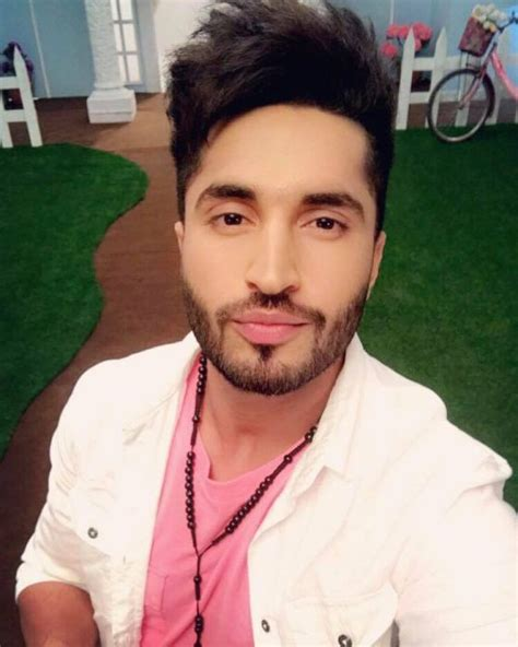 jassi gill hair stayl photos jassi gill hairstyle beard images girlfriend age