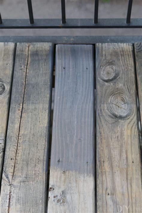 clean  stain  deck  dark gray color  diy