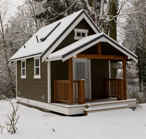 Tiny Cabin by The Tiny House Movement Part 1