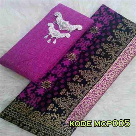 Batik Merak Klasikkain Embos Batik Pekalongan batik embos pekalongan kode mcp005 batik embos pekalongan