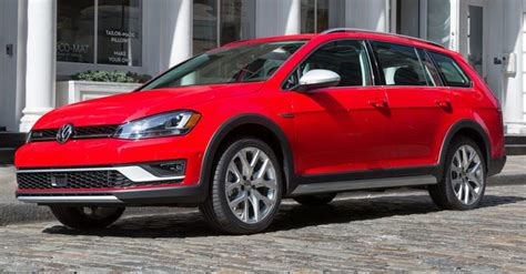 volkswagen alltrack manual 2017 vw golf alltrack debuts in us guise gets manual