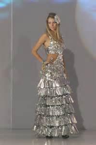 trajes de arboles echos en fomixs mini tutos kimmy disfraces con materiales reciclables