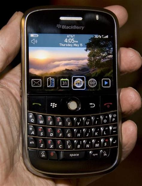 blackberry bold 9000 modern cell phone blackberry bold 9000a wallpapers