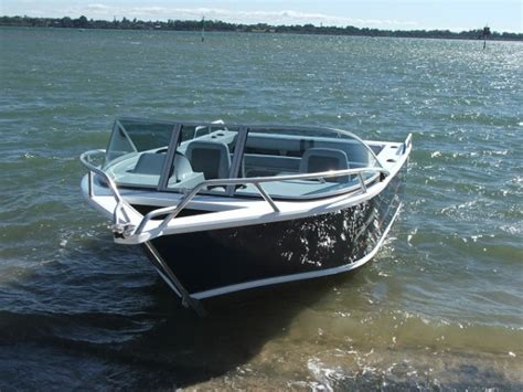 classic boats online new formosa tomahawk classic 580 runabout power boats