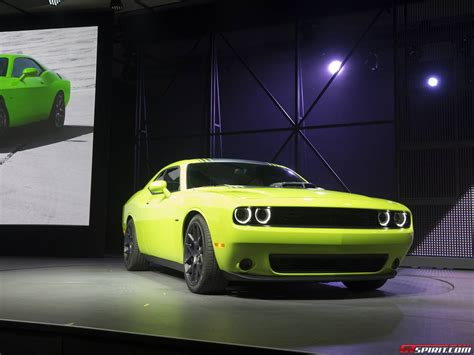 2014 dodge challenger dimensions 2015 vs 2014 challenger dimensions autos post