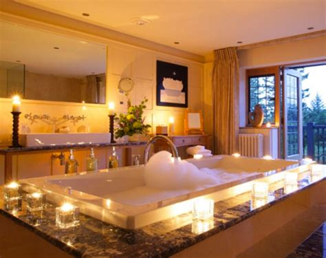 hotels with bathtub in room 7 luxury hotels with hot tubs in the room scratchmyfeet