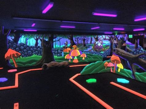 light lunch near me indoor 18 holes with 3d picture of d d mini golf