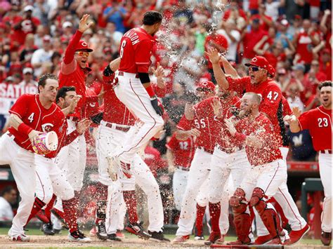 billy hamilton s walkoff homer lifts reds