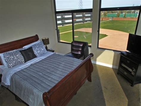cheap one bedroom apartments in indianapolis towers offers stadium lofts downtown indianapolis rentals at the old