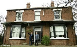 tony blair took out 163 300 000 mortgage on constituency
