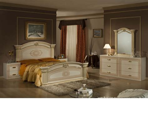 Italian Classic Bedroom Furniture Dreamfurniture Opera Italian Classic Beige Gold Bedroom Set
