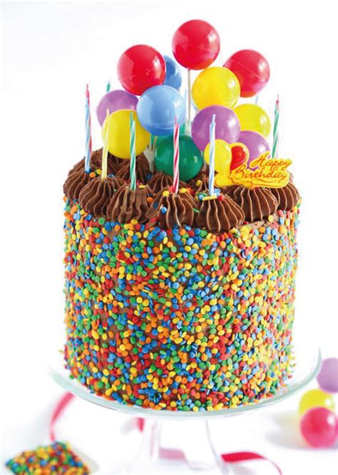 felicitaciones de cumpleanos con torta de colores lo simple no pasa de moda granas de colores tortas de