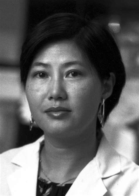 Flossie Wong-Staal – The Bumbling Biochemist
