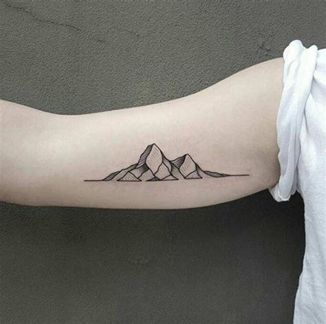 tattoos clouds 25 breathtaking mountain tattoos that flat out rock tattooblend