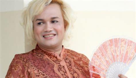 Corner Overall Pakaian Wanita lima artis pria indonesia yang memutuskan jadi wanita trenz corner