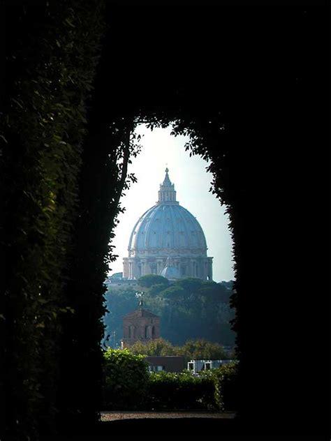 porta dei cavalieri di malta piccoli tesori nascosti a roma