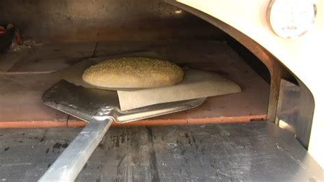 forno a legna in casa ricetta pane forno a legna semplice vivalafocaccia le