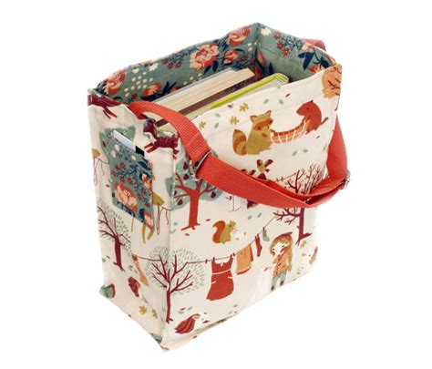 pattern for library book bag free tote bag pattern from on the go bags sew mama sew