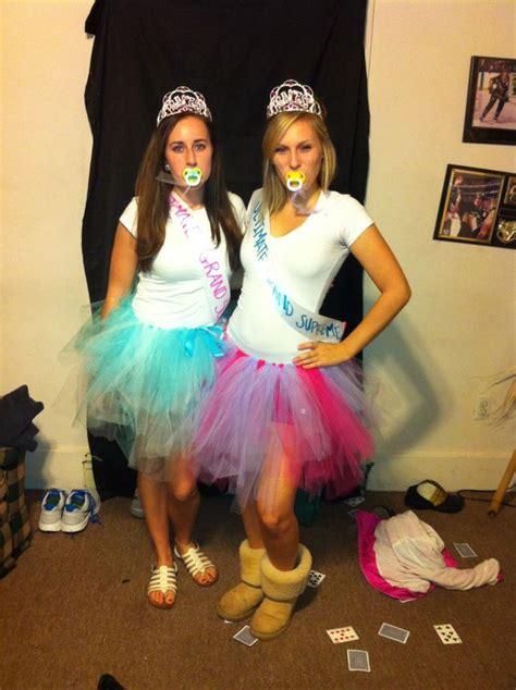 halloween costumes  twins   win
