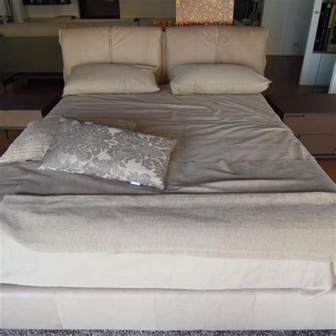 outlet biancheria letto offerta imperdibile letto con contenitore e set biancheria