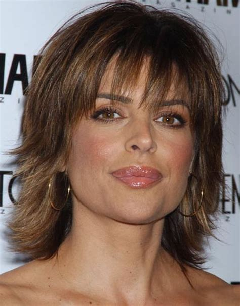 does lisa rinna have naturally curly hair 15 lisa rinna hairstyles to inspire from naturally glowing