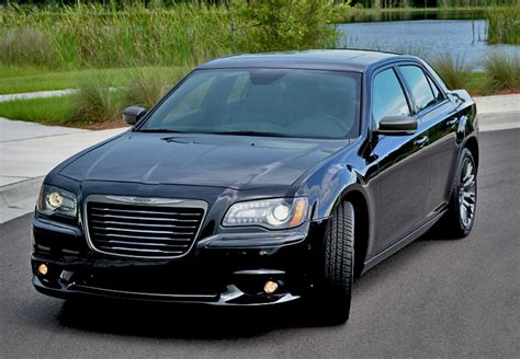 2013 Chrysler 300c by 2013 Chrysler 300c Varvatos Limited Edition Luxury