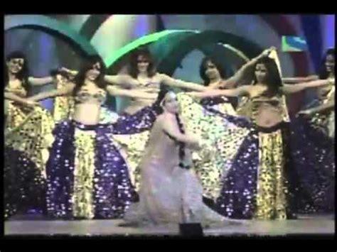 priyanka chopra dance performance in 56 idea filmfare awards 2011 sridevi at filmfare doovi