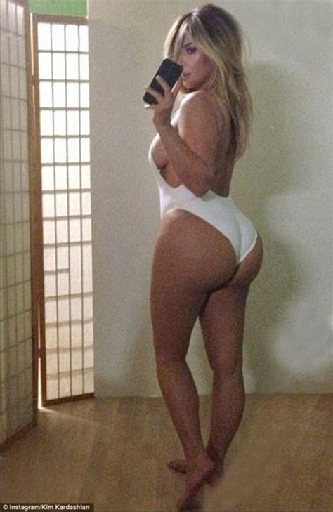 Belfie Stick lets you capture a snap of your behind   Daily Mail Online