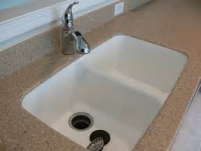 Corian Farm Sink Corian Countertop Integrated Seamlessly With The Kitchen