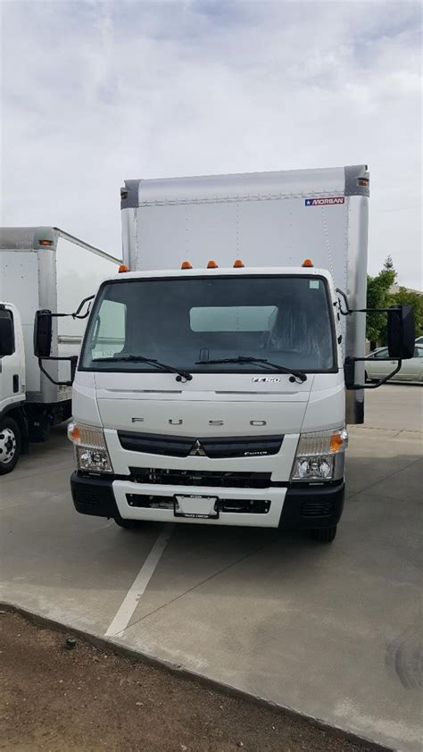 mitsubishi fuso box truck mitsubishi fuso fe trucks box trucks for sale used
