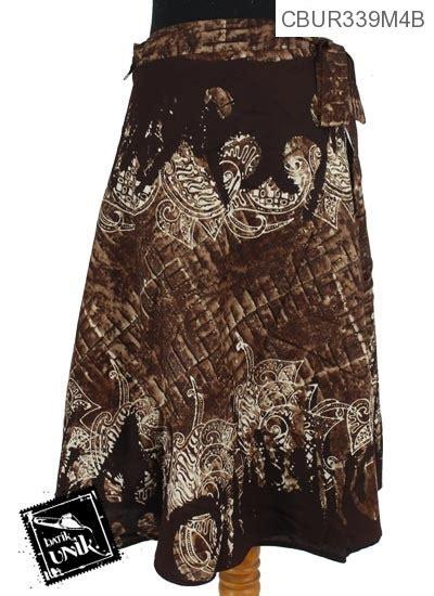 Rok Lilit Motif 4 rok lilit pendek motif abstrak gelombang cokelat bawahan