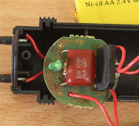 fungsi kapasitor pada raket nyamuk membongkar raket nyamuk elektrologi