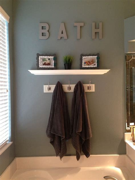 ideas for bathroom wall decor best 25 brown bathroom decor ideas on pinterest