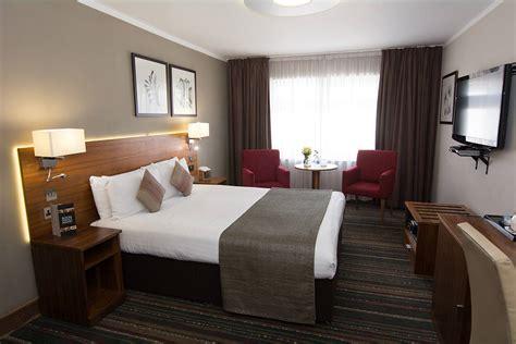 standard double room london  western palm hotel