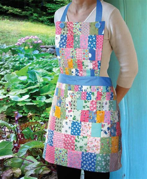 pattern for patchwork apron momma lil s quilted apron slaphappy patterns pinterest