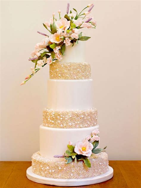 348 best images about Cake Design   Dresses, pearls