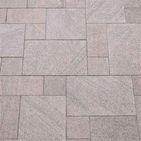 Terrassenplatten Aus Granit by Terrassenplatten Granit Rot Geflammt Naturstein Baumaterial