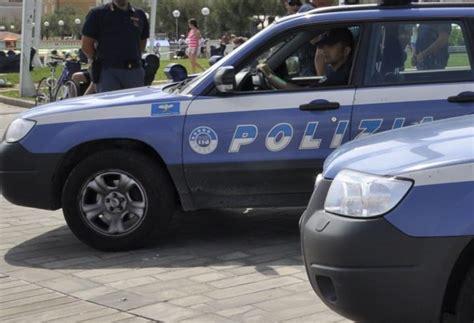 ufficio affissioni perugia polizia e carabinieri rimpatriano albanese