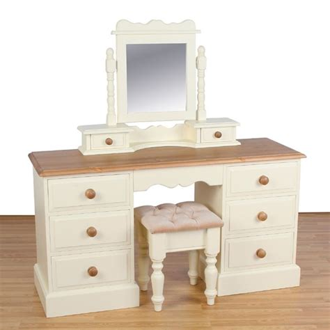 best 25 painting pine furniture ideas on pinterest pine furniture refinished furniture and