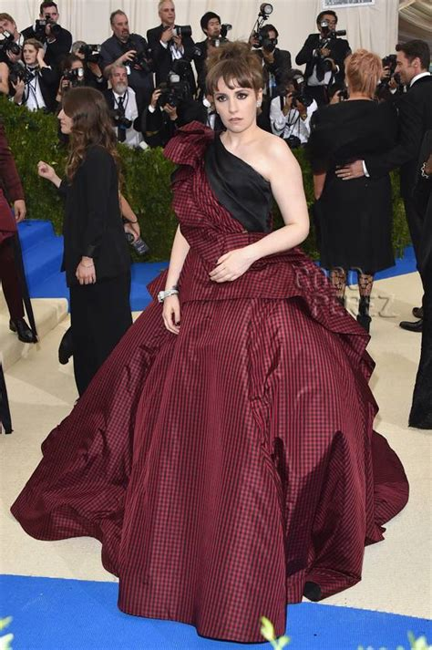 lena dunham red carpet lena dunham brings messy glamour to the met gala red